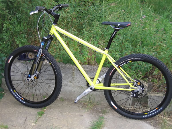 http://www.bendingtherules.co.uk/bikes/BobRohloff/beautyleft.jpg